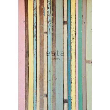 fototapet målat trä ljusrosa, gul, blått och grönt